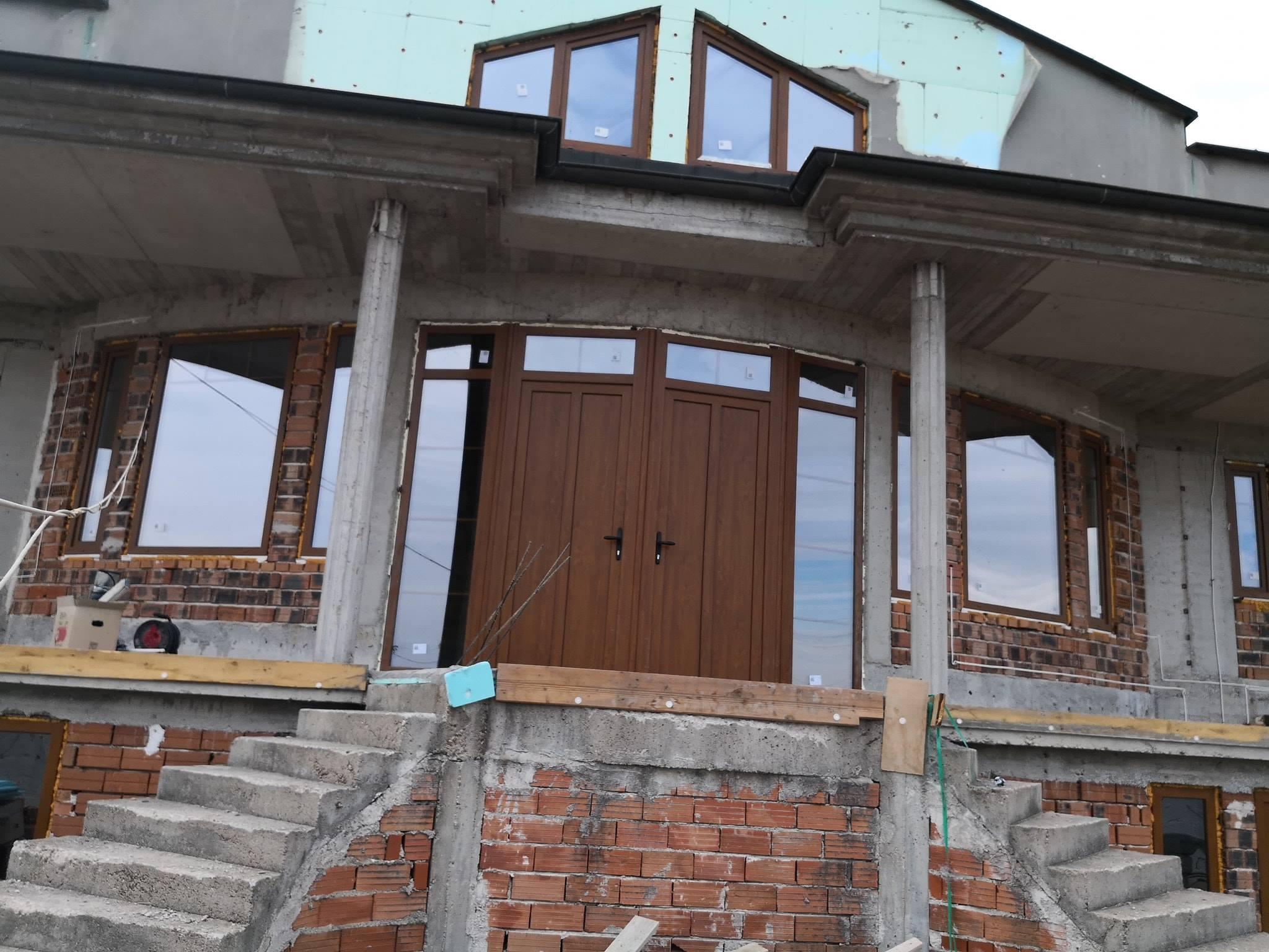 Монтаж и продажба на външни и вътрешни щори, алуминиева, PVC дограма и гаражни врати в Пловдив
